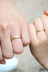 【獨特木紋金工藝!香檳金雙色融合結婚戒指】玫瑰金和白金以外人氣婚戒推薦