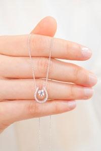 【揀鑽石貼士】最讓女生心動的首飾!教你3招訂製獨一無二的鑽飾