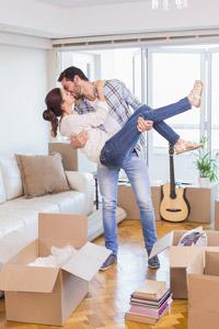 結婚置業上車攻略 買樓還是租樓好? 8個婚禮慳錢及置業的貼士