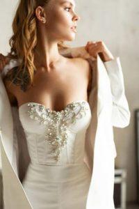 輕婚紗拍攝 誰說結婚一定要穿婚紗? 16款「型」過新郎的褲款婚紗造型推介+穿搭貼士