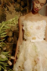 婚紗趨勢2022丨盤點8大流行婚紗款式!絕美花卉蕾絲丶復古華麗宮廷袖