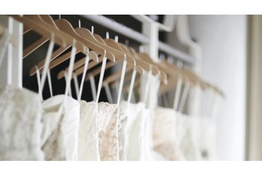 租婚紗必須注意的十件事|婚紗禮服租借價格、尺寸修改、頭紗配飾種類