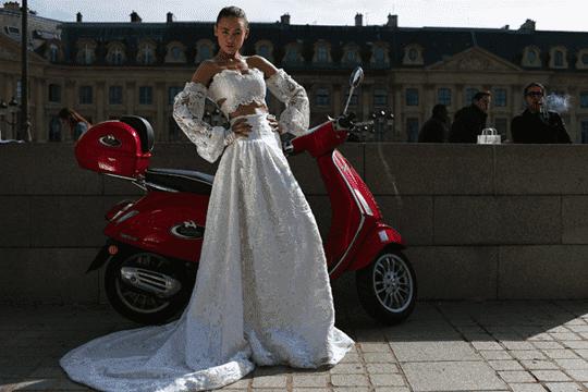香港原創婚紗晚裝 巴黎時裝周都有佢份!
