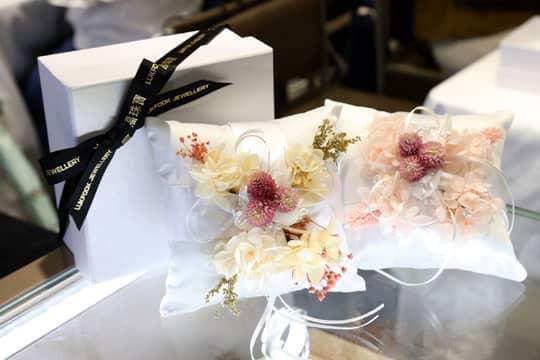 六福珠寶珍珠保鮮花戒指枕工作坊