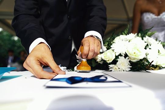 【一文睇晒】律師證婚準備須知、當日流程及揀婚姻監禮人考慮因素