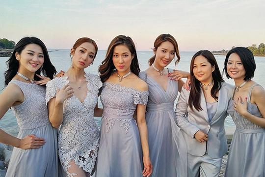 【2020伴娘&姊妹裙推介】讓閨蜜們都一起靚到盡!5個星級婚禮姊妹團示範