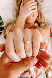 戒指保養 讓求婚戒指閃亮如初!8個鑽戒保養清潔小貼士