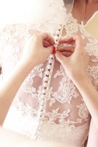 【婚紗晚裝款式】選對領口一秒提升臉蛋顏值!12款領子速讀試身貼士