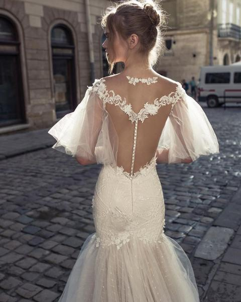 【婚紗剪裁】粗手臂就不能穿長袖晚裝款?8個手袖、腰位、背部剪裁「如何配襯身形」建議
