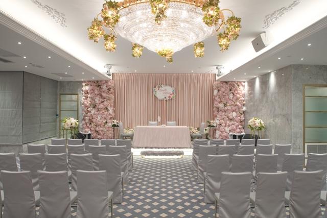 【網上婚展優惠–婚宴】海港薈北京道一號180度海景婚宴場地 每席七千元有找
