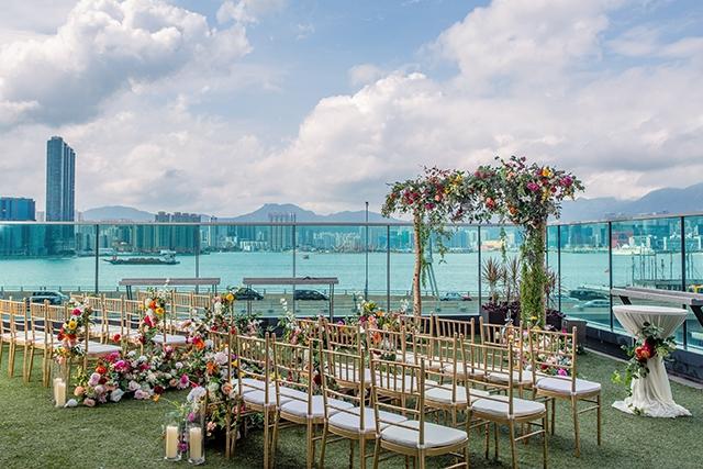 【酒店婚禮場地推薦】高CP值證婚典禮套餐!浪漫戶外花園+無敵海景2萬元有找